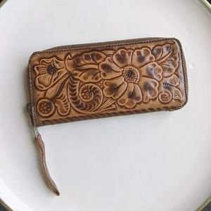 Vintage Tooled Leather Wallet 1970's Zip around